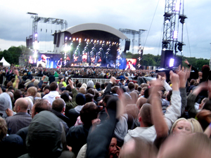 Oasis playing to Manchester Heaton Park